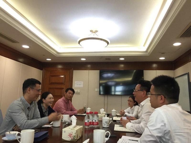 bwinchina官网集团领导会见上海数据港股份有限公司董秘一行