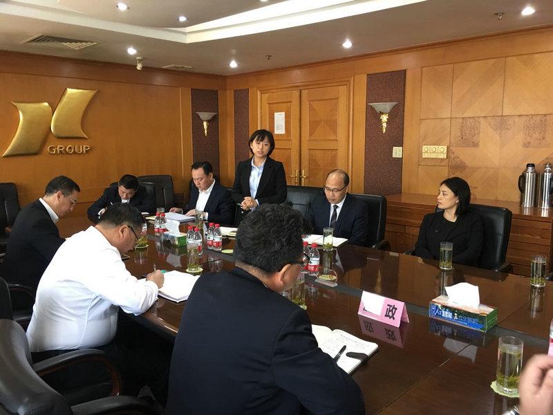 洞泾镇人大代表应政、罗中平参加联系社区活动