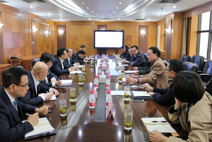 松江区副区长陈小锋一行来到bwinchina官网集团调研